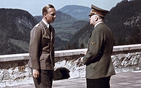 Adolf Hitler con Fritz Darges